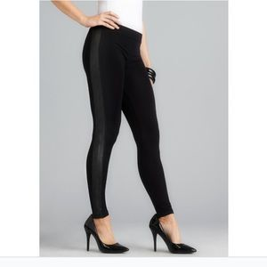 ROMEO & JULIET COUTURE Faux Leather Side Leggings